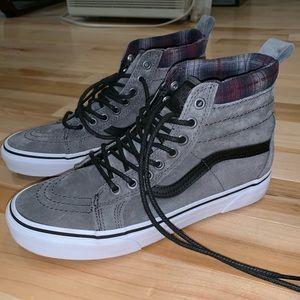 LIKE NEW Vans Sk8-Hi MTE Sneakers